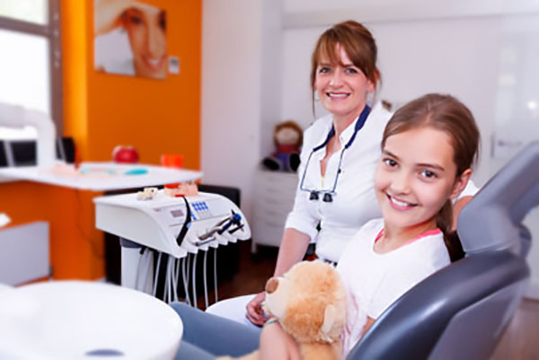 What Is The Difference Between A Family Dentist And A General Dentist?